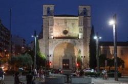La fachada principal de San Ginés se teñirá de rosa