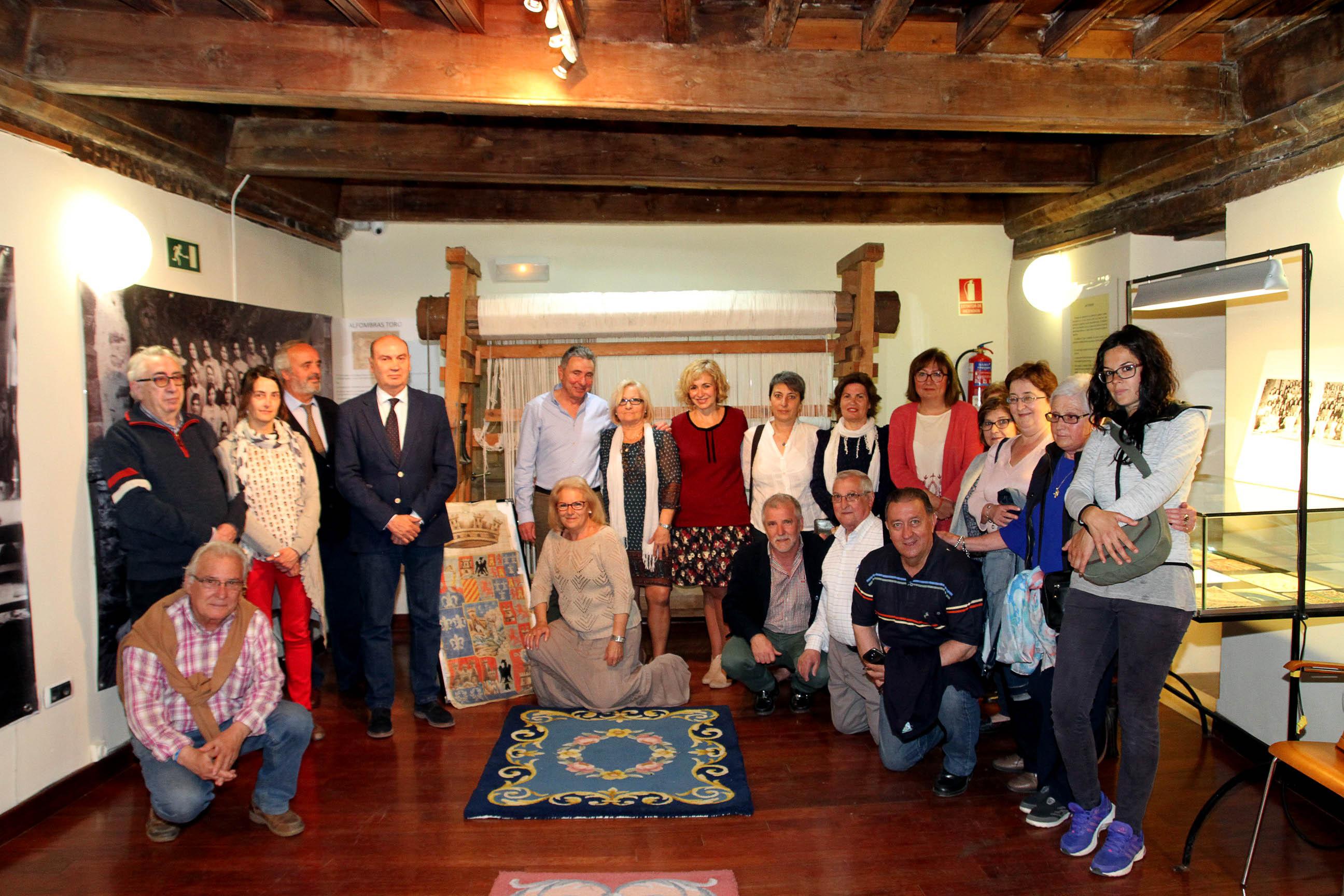 La historia de las f bricas de alfombras de sig enza se for Alfombras persas historia