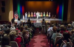 Espectáculo benéfico con un público entregado