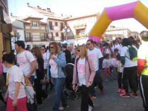 Éxito de participación en la 2ª marcha a favor de la lucha contra el cáncer de mama en Yunquera de Henares