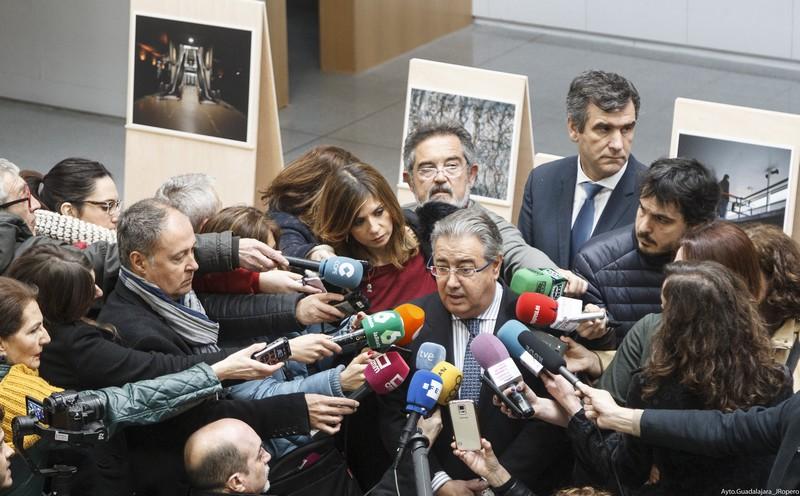 """Inauguración de la exposición """"Once de Marzo"""" en el espacio TYCE, con el ministro Juan Ignacio Zoido"""