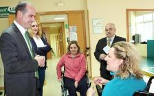 El Gobierno regional subvenciona la adquisición de nuevo material de terapia de la Asociación de Esclerosis Múltiple de Guadalajara