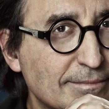 El escritor José Carlos Somoza presenta su última novela 'El origen del mal' en la biblioteca de Valdeluz