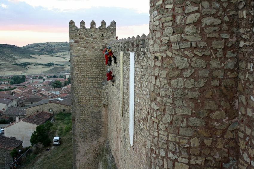 Asalto al castillo de Sigüenza, España – ¡Por la Reina!