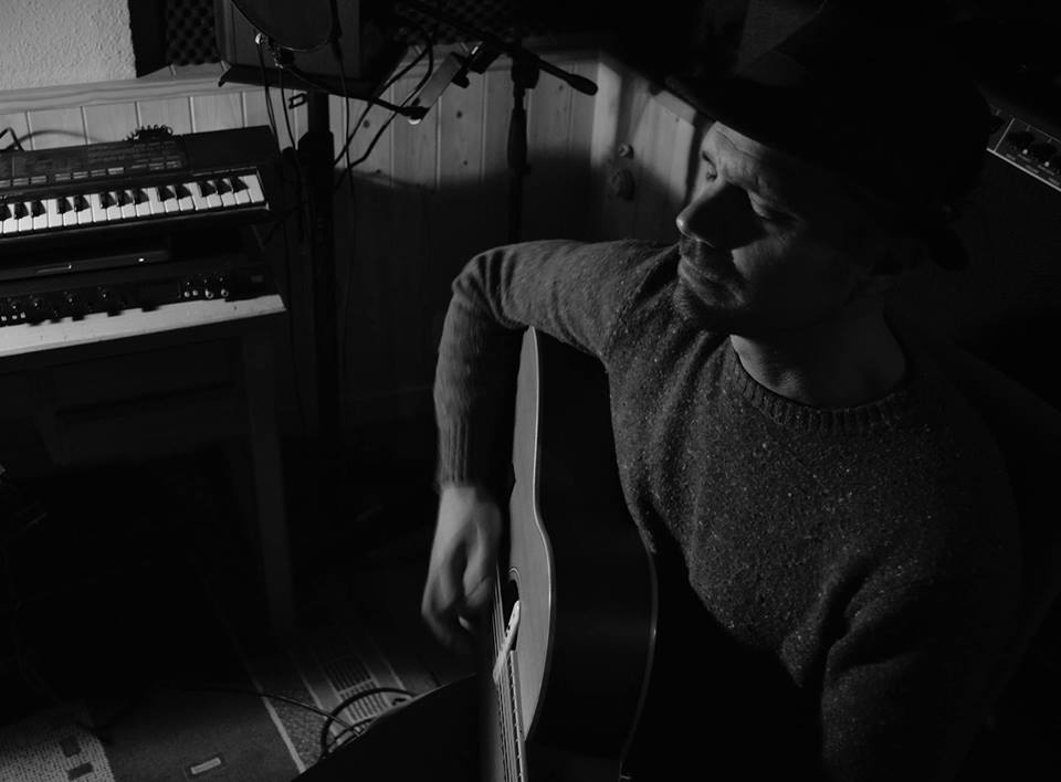 Erik La Chapelle Solo (acustico)